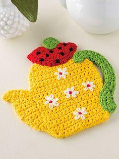 Crochet - Kitchen Patterns - Pot Holder Patterns - Teatime Hot Pad ideas for home kitchens Crochet Hot Pads, Crochet Cup Cozy, Crochet Towel, Crochet Potholder Patterns, Crochet Motif, Knit Crochet, Crochet Daisy, Cute Crochet, Crochet Kitchen