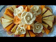 Crinkle Cut & Rosette Cheese Tray maybe add olives, grapes and thinly sliced apples to the meat and cheese tray Meat And Cheese Tray, Veggie Cheese, Food Design, E Design, Deli Platters, Cheese Platters, Cold Appetizers, Appetizers For Party, Cute Food