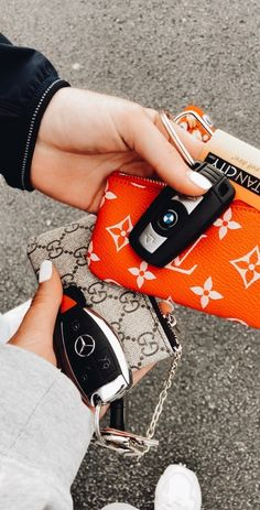 𝙖𝙧𝙣𝙚𝙩𝙩 ✰ - Cute/cool stuff - Source by femininas luxo Models Men, Cute Car Accessories, Fitness Accessories, Girly Car, Car Essentials, Car Goals, Cute Cars, Future Car, Luxury Cars