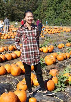 Fall Casual Outfit Idea : Pumpkin Patch / Flannel Shirt / Plaid / Black Jeans
