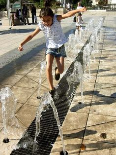 Water splash jump path urban