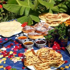 Typical Moroccan breakfast. - Maroc Désert Expérience tours http://www.marocdesertexperience.com
