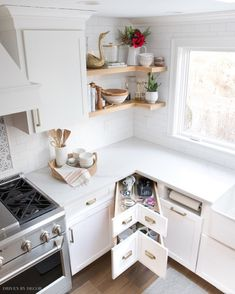 Here are 15 stylish small room storage ideas that might help you to create more space in your room. These home hacks are simple yet beautiful. Kitchen Inspirations, Driven By Decor, Kitchen Flooring, Clean Kitchen, Kitchen Cabinets, Kitchen Room, Kitchen Decor, Home Kitchens, Best Kitchen Designs