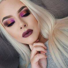 We are just so obsessed with Juvias place eyeshadow palettes! These are serious makeup inspiration. All of their palettes come with the best shades and pigmentation and you can just create such creative makeup looks with them!
