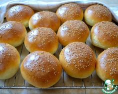 Homemade buns for hamburgers ⋆ Hostess Homemade Hamburger Buns, Homemade Buns, Bulgarian Recipes, Russian Recipes, Russian Cookies, Cooking Chicken Wings, Photo Food, Sweet Sauce, Bread And Pastries