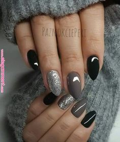 22 totally classy nail designs to rock this winter 2019 .- 22 total noble Nageldesigns, um diesen Winter 2019 zu rocken – Mode Und Outfit Trends 22 totally classy nail designs to rock this winter 2019 - Classy Nail Designs, Nail Art Designs, Dark Nail Designs, Almond Nails Designs, Classy Nails, Cute Nails, Classy Makeup, Gray Nails, Black Shellac Nails