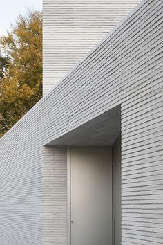 JH House - Elementarchitecten Concrete Facade, Concrete Architecture, Architecture Details, Interior Architecture, Brick Cladding, Brickwork, Arch House, Facade House, Villa