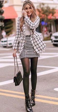 13 looks con falda y medias veladas