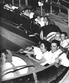 Historic Memphis Fairgrounds - park and amusement center. Elvis on the Pippin - his favorite ride. Elvis Presley Family, Elvis Presley Photos, Rock And Roll, Elvis Quotes, Mein Hobby, Young Elvis, Burning Love, Lisa Marie Presley, Memphis Tennessee