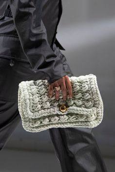 STYLECASTER | fall bag trends | fall handbag trends 2020 | bags and purses | bags for women | stylish handbags and purses | trendy bags and purses | fall bags and purses | fall 2020 bags and purses Fall Handbags, Stylish Handbags, Fashion Handbags, Spring 2015 Fashion, Fashion Fall, Milan Fashion Weeks, London Fashion, Fall Bags, Fall Trends
