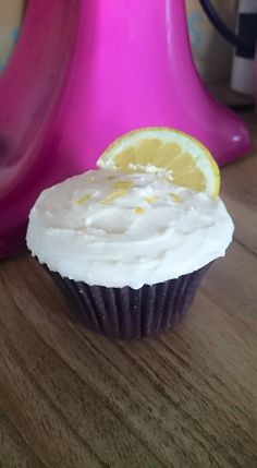 Time for a tipple? Gin and tonic cupcakes are perfect for a more sophisticated sweet treat, and always go down well at parties. Find out more and order a box on the website!
