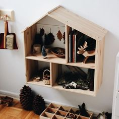 Our 'nature table.' Our 'nature table. House Shelves, House Wall, Ikea Dollhouse, Dollhouse Shelf, Nature Table, Diy Décoration, Kid Spaces, Small Gifts, Boy Room