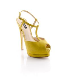 such a fab color, T-strap, platform.... its sooo pretty :)