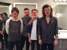 One Direction@onedirection  The guys can't wait to be a part of @RedNoseDayUS! Watch and donate May 21 at 8/7c on @NBC. #RedNose