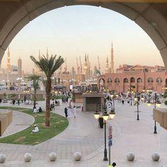 Al Masjid An Nabawi, Mecca Masjid, Masjid Al Haram, Islamic Images, Islamic Pictures, Medina Mosque, History Of Islam, Mekkah, Love In Islam