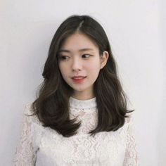 Hair Curly Long Style Hairstyles Perms 26 Ideas For 2019 Korean Medium Hair, Medium Hair Cuts, Medium Hair Styles, Curly Hair Styles, Hair Korean Style, Hair Color Asian, Asian Hair, Bb Beauty, Hair Beauty