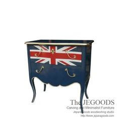 Jegoods Woodworking Studio produce antique mahogany creative painted union jack flag style. Produsen mebel model bendera inggris kualitas ekspor.