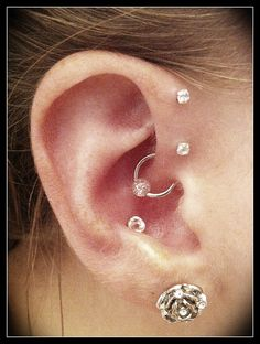 Double forward helix, daith and conch piercings. Piercing Tattoo, Body Piercing, Ear Piercings, Forward Helix, Daith, Body Mods, Body Jewelry, Body Art, Jewelery