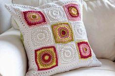 tejidos artesanales en crochet: almohadon con cuadrados tejido al ...