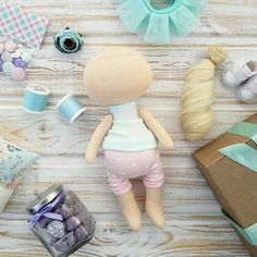 I'm trying to find Patterns and Tutorials for this Doll. There are Hundreds of Variations! Fabric Doll Pattern, Doll Patterns, Doll Crafts, Diy Doll, Clay Dolls, Doll Toys, Techniques Couture, Fabric Toys, Sewing Projects For Kids
