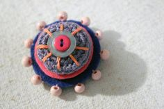 Brooch by lepemalestvari on Etsy Made Goods, Winter Coat, Etsy Store, Felt, Brooch, Wool, How To Make, Button, Brooches