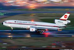 McDonnell Douglas DC-10-30 Biman Bangladesh Airlines.. Last flight of a DC-10 landing at Birmingham UK..
