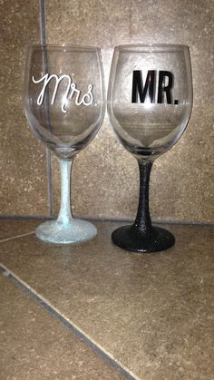 This listing includes a pair of wine glasses for your special day! Get these matching Mr. and Mrs. Wineglasses for toast time on your big day.