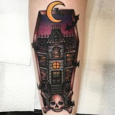 Can we just it's so pretty I can't stop looking at it  everyone needs to go get tattooed by @dinkyink in @colourworks_tattoo ASAP!