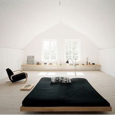 How zen is this bedroom? Simple, Beautiful & minimal. Japanese meets…