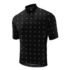 A very attractive cycling jersey, and one which develops a theme we have increasingly noticed from Morvelo - these guys are really good at designing bicycle apparel which appears both new and familiar at the same time, and with the MVCC Jersey, the talented Brighton based duo have once again hit the cycling sweet spot.Handmade in Europe, the MVCC, in keeping with the rest of the latest Morvelo Jersey line-up, is tailored with an aerodynamic focus, and features a high UV protective fabric, a…
