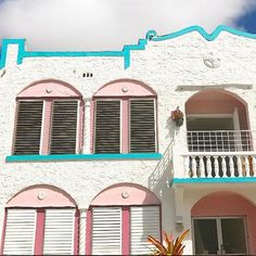 Little Havana #MiamiPlaces | Wanderlust | Travel Ideas Little Havana, Wanderlust Travel, Travel Ideas, Good Times, Miami, Meet, House Styles, Places, Outdoor Decor