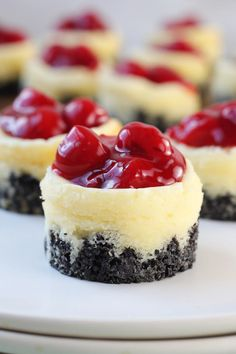 Mini Cherry Cheesecakes are the perfect bite-size dessert for any party, holiday or special occasion. A delicious Creamy cheesecake with cherry pie filling. Mini Desserts, Mini Cheesecake Recipes, Bite Size Desserts, Great Desserts, No Bake Desserts, Delicious Desserts, Cherry Cheesecake Bites, Mini Cheesecake Cupcakes, Mini Dessert Recipes
