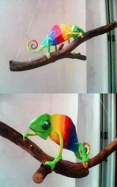 Pinterest Paper Mache Animals, Paper Mache Sculpture, Paper Mache Clay, Sculptures Papier, Paper Clay, Diy Paper, Paper Art, Sculpture Art, Chameleon Craft
