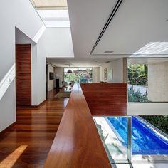 MG Residence by Reinach Mendonça Arquitetos Associados