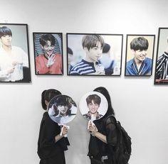 Jungkook Aesthetic, Kpop Aesthetic, Bts Concert, Kpop Merch, Bts Fans, Kpop Girls, Ulzzang, Fangirl, Best Friends