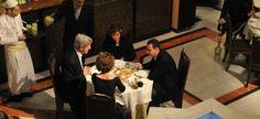 Встреча Башара Асада и Джона Керри в тёплой и дружеской обстановке.