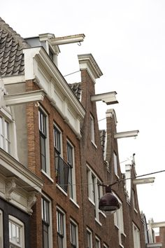 Amsterdam: bringing furniture through the windows!