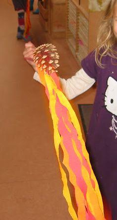 Dennenappel vallende ster voor het Michaelsfeest / of: drakenstaart.