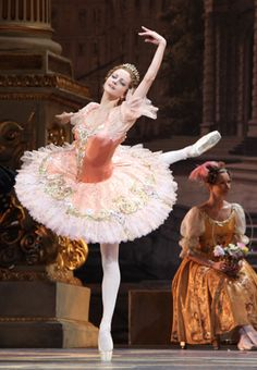 Nina Kaptsova as Aurora.  Bolshoi Theatre.