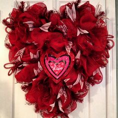Heart shaped Valentine's Day #decomesh wreath