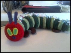 Very Hungry Caterpillar baby toy. Hungry Caterpillar Craft, Story Sack, Baby Toys, Knitting Patterns, Sacks, Projects, How To Make, Crafts, Craft Ideas