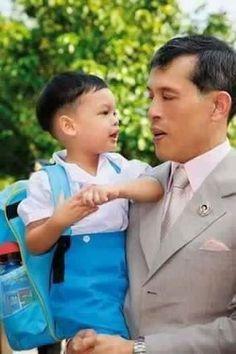 His Royal Highness Prince Maha Vajiralongkorn, Crown Prince of Thailand and his son Prince Dipangkorn Rasmijoti. Crown Prince Of Thailand, King Rama 10, King Thai, Queen Sirikit, Bhumibol Adulyadej, King Of Kings, King Queen, Family Photos, Royalty