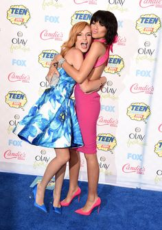 Bella Thorne and Zendaya linked up at the Teen Choice Awards