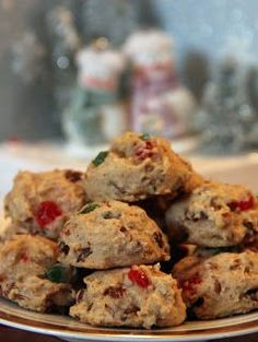 Fruitcakes and Christmas cookies are iconic Christmas desserts, so why not combine the two? Festive Fruitcake Cookies are a delicious way to re-purpose that old fruitcake recipe and create a new easy Christmas dessert that everyone will enjoy. Tea Cakes, Food Cakes, Biscuits Aux Fruits, Cookies Et Biscuits, Fruit Cookies, Holiday Cookies, Easy Fruit Cake Cookies Recipe, Christmas Cooking, Christmas Desserts