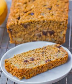 Secret oatmeal banana bread recipe from @choccoveredkt… impossibly made with no flour, can be modified to fit different diets. Full recipe: http://chocolatecoveredkatie.com/2015/09/28/flourless-banana-bread-recipe/