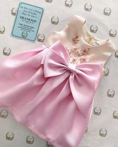 ---Kazumi dress--- #kidsdress #hopeulikeit #honeybeekids #customcolour Dresses Kids Girl, Cute Girl Outfits, Baby Boy Outfits, Flower Girl Dresses, Baby Skirt, Baby Dress, Honey Bee Kids, Kids Dress Patterns, Baby Clothes Online
