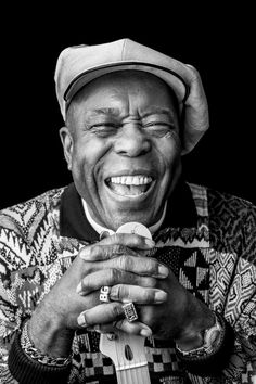 I saw Buddy Guy open for B.B. King.  It was a toss-up as to who should open for who, IMHO.