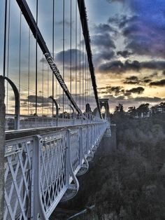 Ace angle of the Clifton Suspension Bridge! Clifton Bristol, Bristol City, Great Places, Places To Go, Beautiful Places, Clifton Village, Bristol Fashion, Old Bridges, Outside Lands