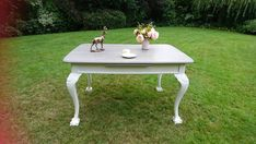 Vintage Dining Table Hand Painted In Annie Sloan Old White And Lady Grey. Vintage Kitchen, Retro Vintage, Vintage Furniture For Sale, Annie Sloan Old White, Lady Grey, Hand Painted Furniture, Chalk Paint, Kitchen Ideas, Kitchens