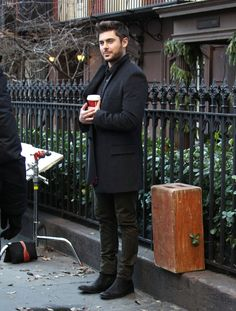 When he cuddled with this cup of coffee: | The 40 Most Divine Things Zac Efron Did In 2013